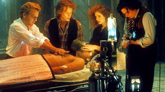 FOTO: Sutherland po boku Roberts ve filmu Hráči se smrtí