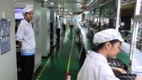 FOTO: Foxconn továrna na jihu Číny