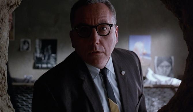 FOTO: Bob Gunton jako ředitel věznice Shawshank