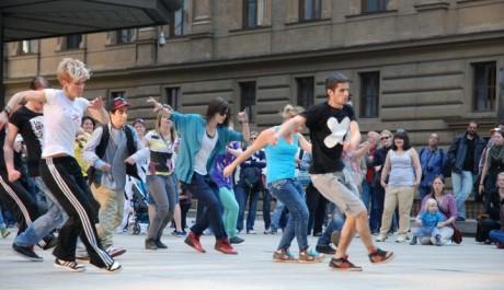 FOTO: Den tance