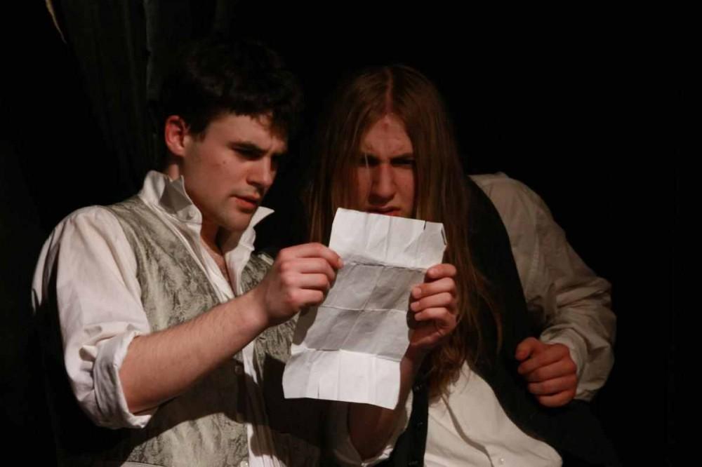 FOTO: Hamlet a Horacius ve hře Sakra Hamlet