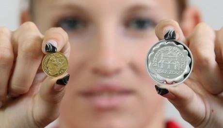 FOTO: Pamětní medaile Pilsner Urquell k 170. výročí