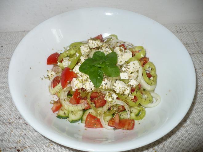 FOTO: šopský salát