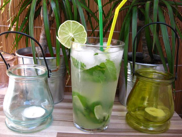 Mátová limonáda s limetkou