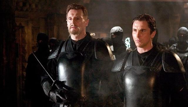FOTO: Liam Neeson a Christian Bale ve filmu Batman začíná