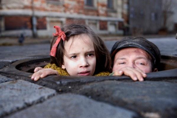 FOTO: Film Agnieszky Holland V temnotě