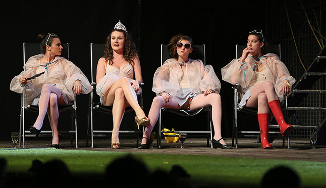 FOTO: Ženské kvarteto komedie Marná lásky snaha