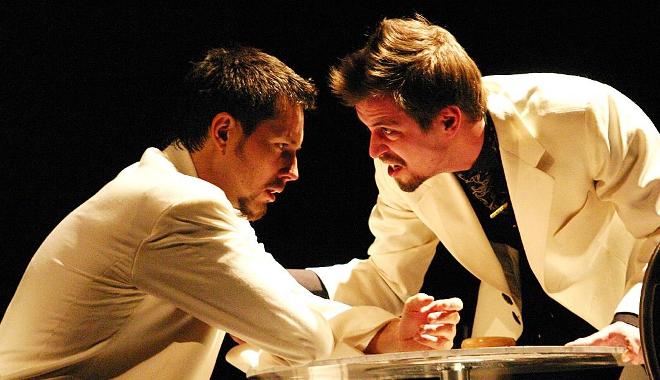 FOTO: Michal Slaný a Jan Dolanský v inscenaci Sladké ptáče mládí