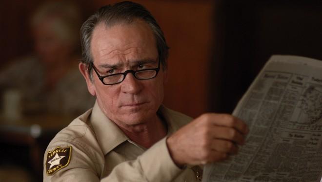 FOTO: Tommy Lee Jones ve filmu Tahle země není pro starý