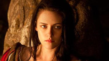 FOTO: Kristen Stewart ve filmu Sněhurka a lovec