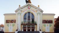 FOTO: Budova Východočeského divadla
