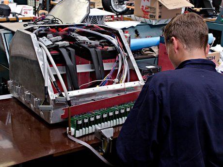 FOTO: Výroba akumulátoru