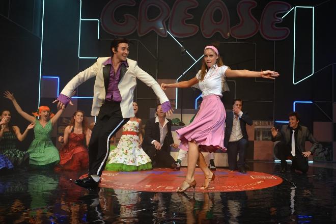 FOTO: Muzikál Pomáda v divadle Kalich 2012