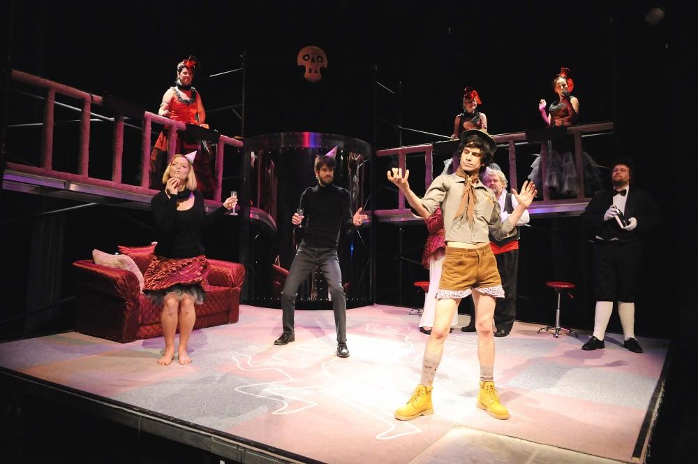 FOTO: Hamlet v podání Milana Hajna pobavil