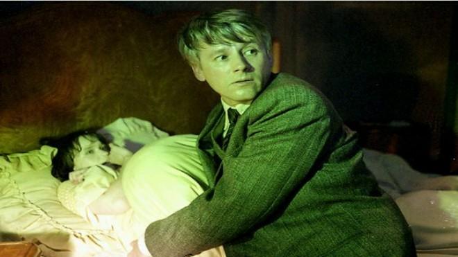 Havlíčkův román Neviditelný zfilmoval v roce 1988 Jiří Svoboda pod názvem Prokletí domu Hajnů, Zdroj: Bonton