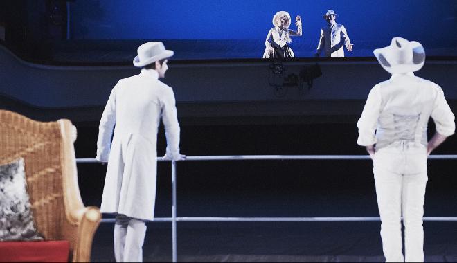 FOTO: Divadlo v Dlouhé se pro účely inscenace Polední úděl změnilo v zaoceánský parník