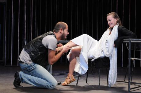 FOTO: Jan Maléř a Andrea Černé v dramatu Porcie Coughlanová (DJKT, 2011)
