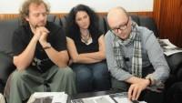 FOTO: Inscenátorský tým nad návrhy scény k Feydeauově komedii Taková ženská na krku (DJKT, 2012)