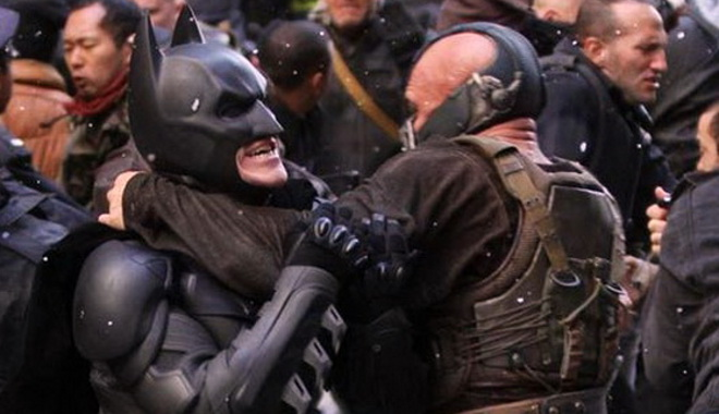 FOTO: Bane vs Batman