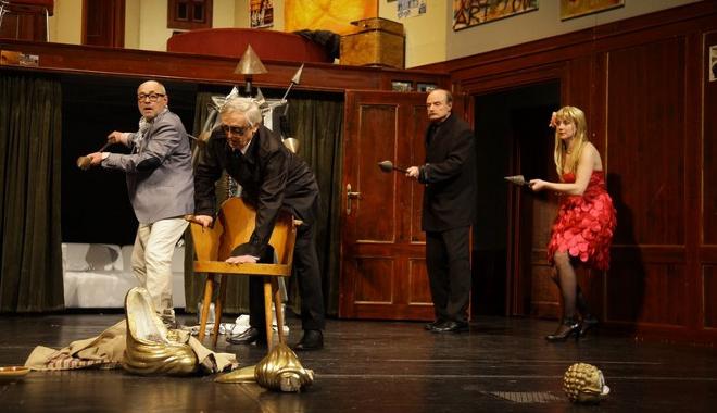 FOTO: Komedie potmě Karlovarského městského divadla