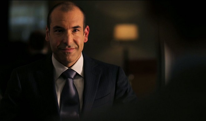 FOTO: Louis Litt, Suits