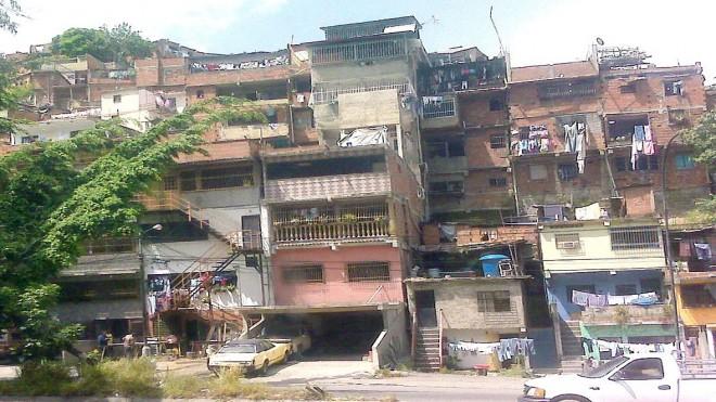 Chudinská čtvrť Barrio, Zdroj: wikimedia.org
