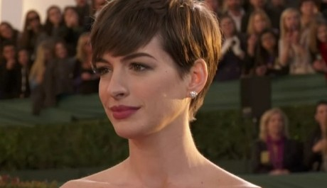 FOTO: Anne Hathaway na Zlatých glóbech 2013.