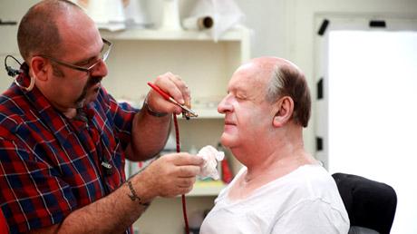 FOTO: Anthony Hopkins v maskérně