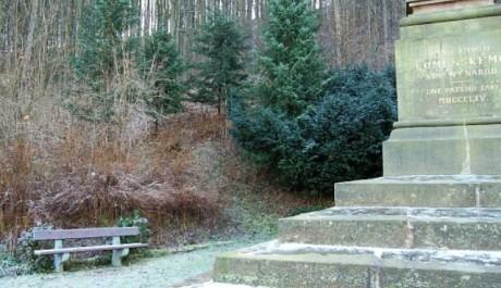 FOTO: pomník