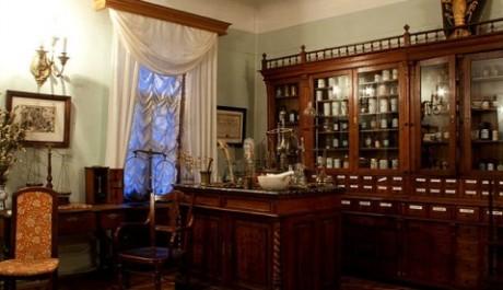 OBR: Rekonstrukce proslulé lékárny v kyjevském muzeu.