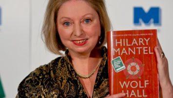 FOTO: Hilary Mantelová s románem Wolf Hall