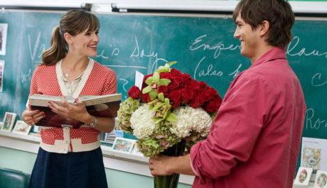 Nechcete kupovat na Valentýna květinu? Zkuste vyznání na plátně. Zdroj: Warner Bros.