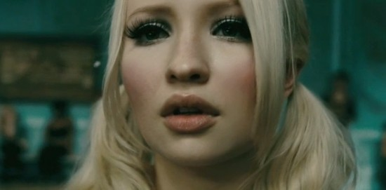 Emily Browning ve snímku Sucker Punch. Zdroj: Warner Bros.