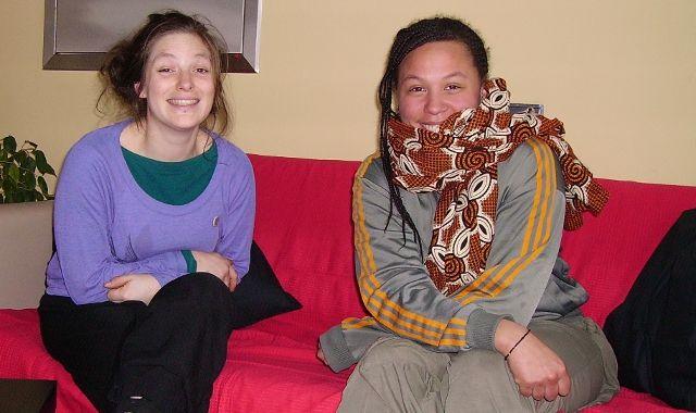 Dvě akrobatky. Vlevo Lucie N´Durihahe, vpravo Francesca Hyde. Foto: Jana Kumherová, TOPZINE.cz