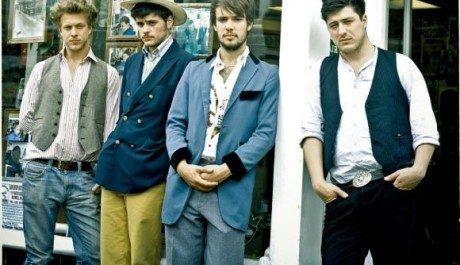 Britská folková skupina Mumford & Sons Zdroj: mumforandsons.com