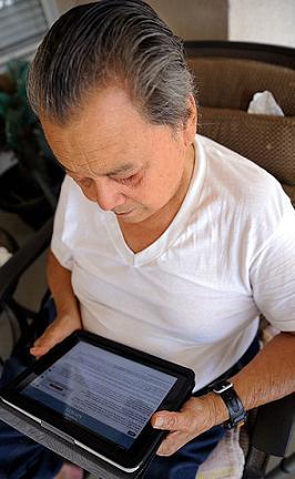 FOTO: Nejsnadněji se lidem čte z tabletů