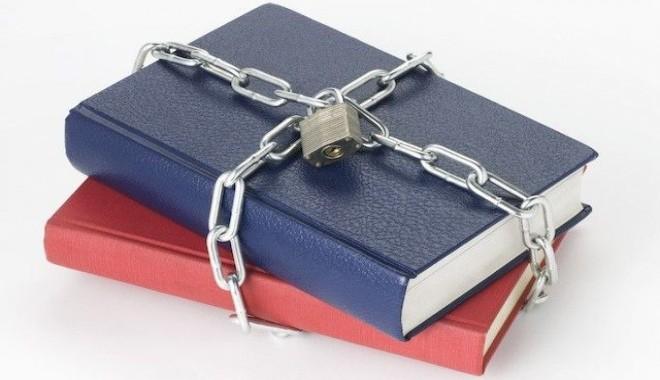 FOTO: Seznam zakázaných knih