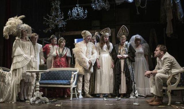FOTO: Divadlo Na zábradlí - Višňový sad