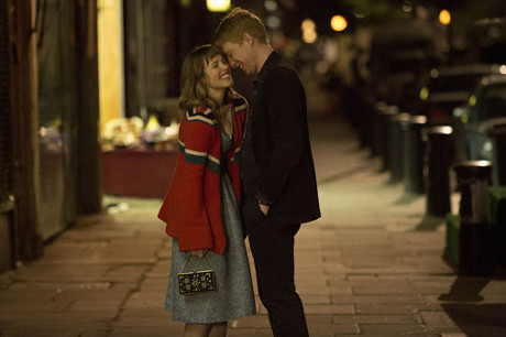 FOTO: About time - Rachel McAdams a Domhnall Gleeson