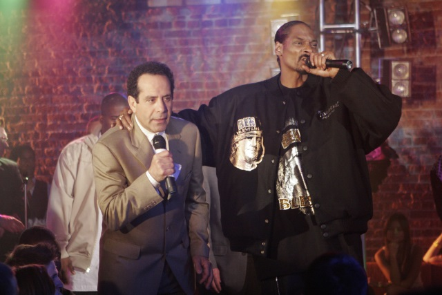 FOTO: Tony Shalhoub a Snoop Dogg