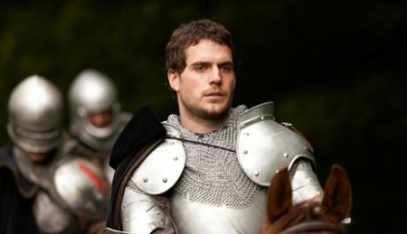 FOTO: Henry Cavill jako vévoda ze Suffolku