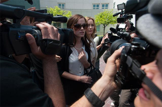 Emma Watson jako Nicki Moore