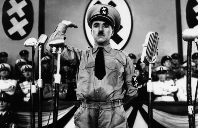 FOTO: Charlie Chaplin ve filmu Diktátor
