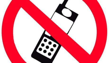 FOTO: Zákaz mobilů