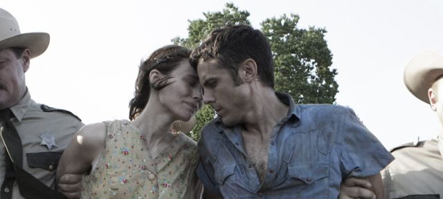 Film Ain't Them Bodies Saints ukazuje atmosféru Texasu. Zdroj: IFC Films