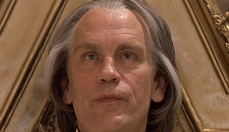 FOTO: John Malkovich ve filmu Johnny English