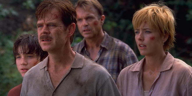 Sam Neill narazil na povedenou rodinku.