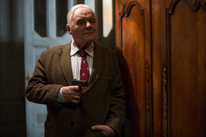 FOTO: Anthony Hopkins v RED 2