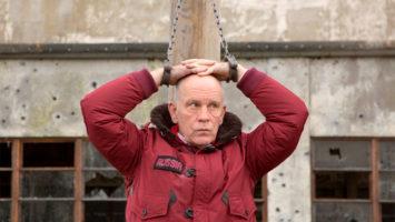 FOTO: John Malkovich v RED 2