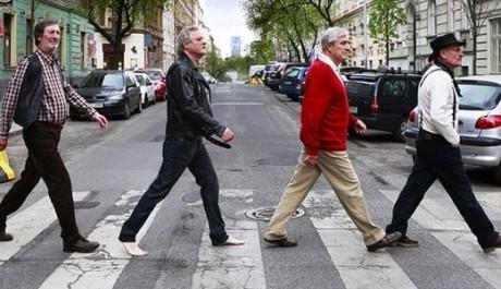 Hrdinové snímku Revival napodobují Beatles. Zdroj: Bontonfilm